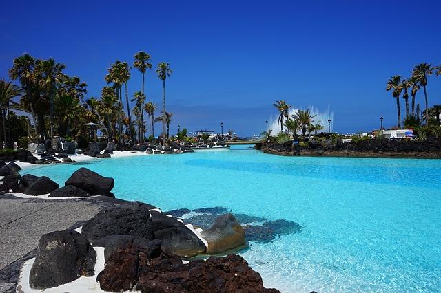 Kanárske ostrovy ponúkajú aj taký zážitok ako je kúpanie v morskom bazéne