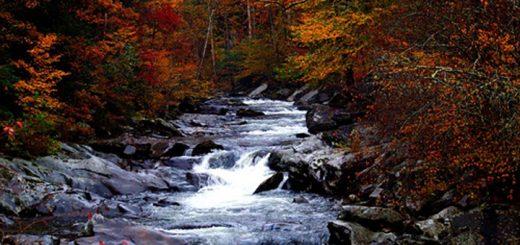 Farebná jesenná turistika