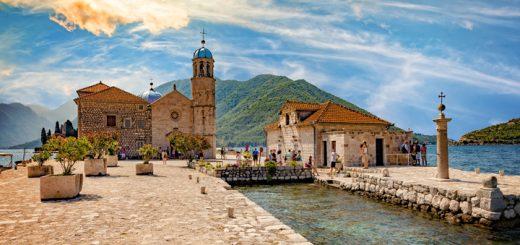 Kostol na ostrove v Kotorskej boke