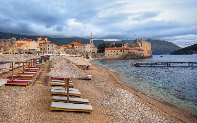 Pláž v meste Budva, Čierna Hora