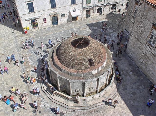 Onofriova fontána