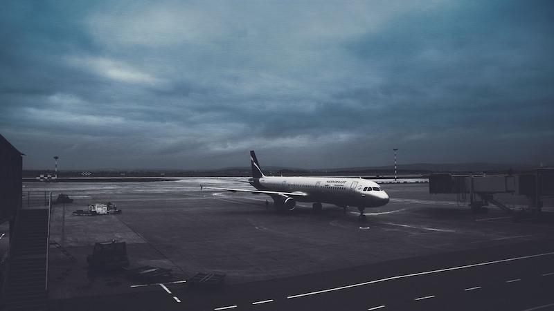 Letisko v noci