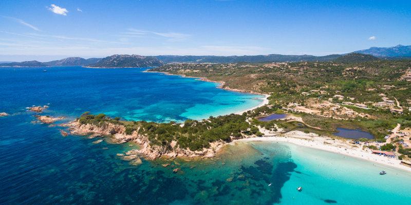 Pláž Palombaggia na Korzike