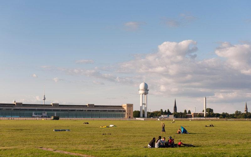Tempelhof park v Berlíne