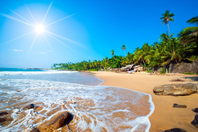 Tropická pláž na Srí Lanke